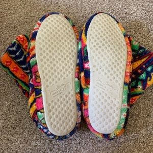Vera Bradley Shoes - Vera Bradley Venetian Paisley Slipper Booties